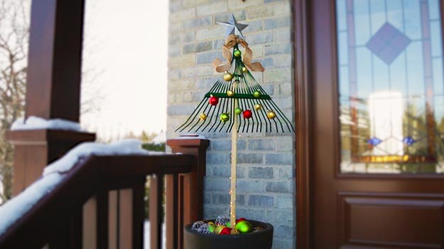 DIY Holiday Decoration for Gardening Lovers