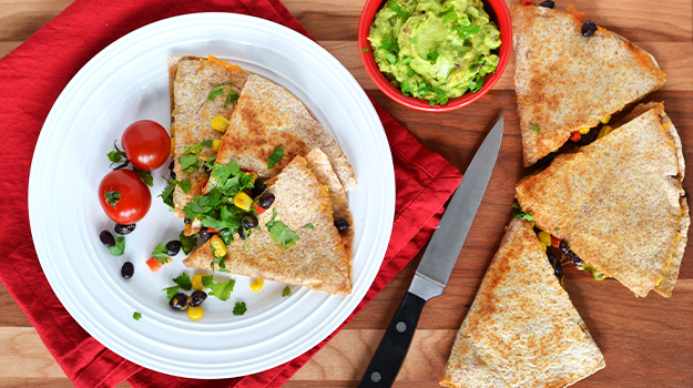 Quesadillas with black beans, sweet pepper and corn